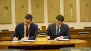 sanchez-rivera-firma-acuerdo-PSOE-Ciudadanos-2016