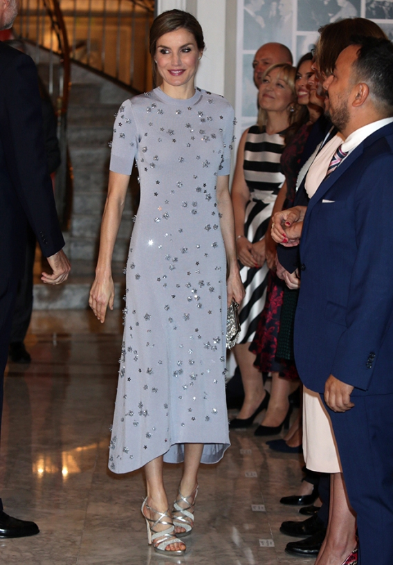 "Spanish Queen Letizia during 60th anniversary of Europa Press in Madrid, on Tuesday 30th May, 2017. en la foto : vestida por la firma "" Nina Ricci """